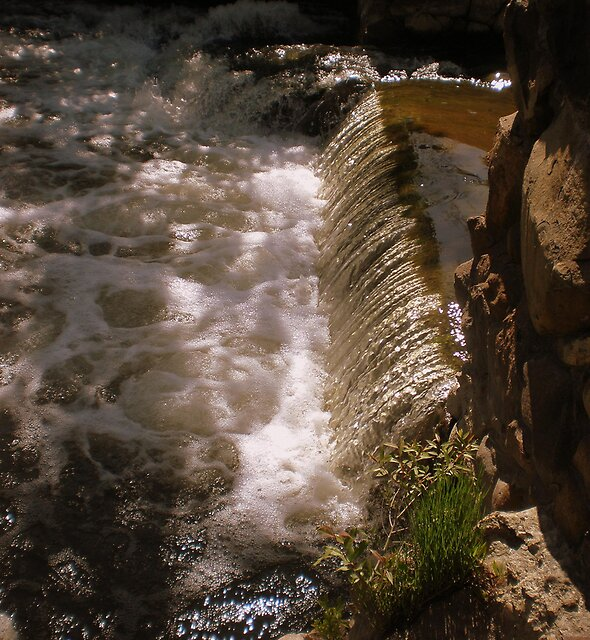 A Small Waterfall by 1greenthumb