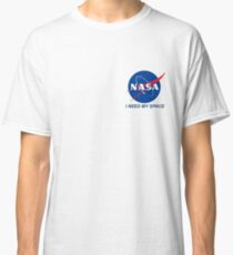 Camiseta clásica Necesito mi espacio