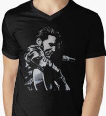 Elvis Presley - The King Is Back Men's V-Neck T-Shirt