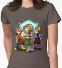 Fox Victory Pose T-Shirt  Women's Fitted T-Shirt