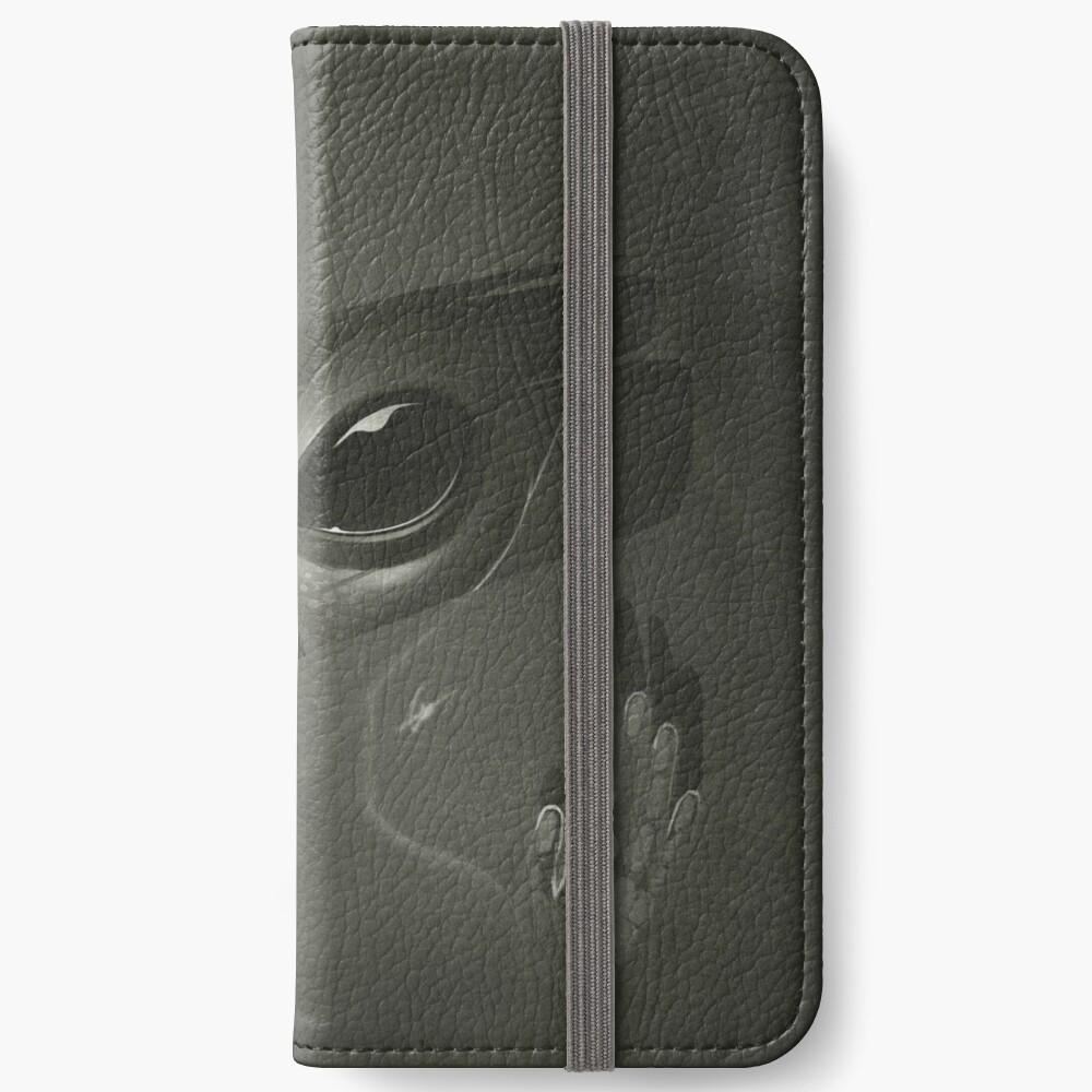 Alien iPhone Wallet