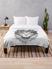 Floral lion (b&w) Throw Blanket