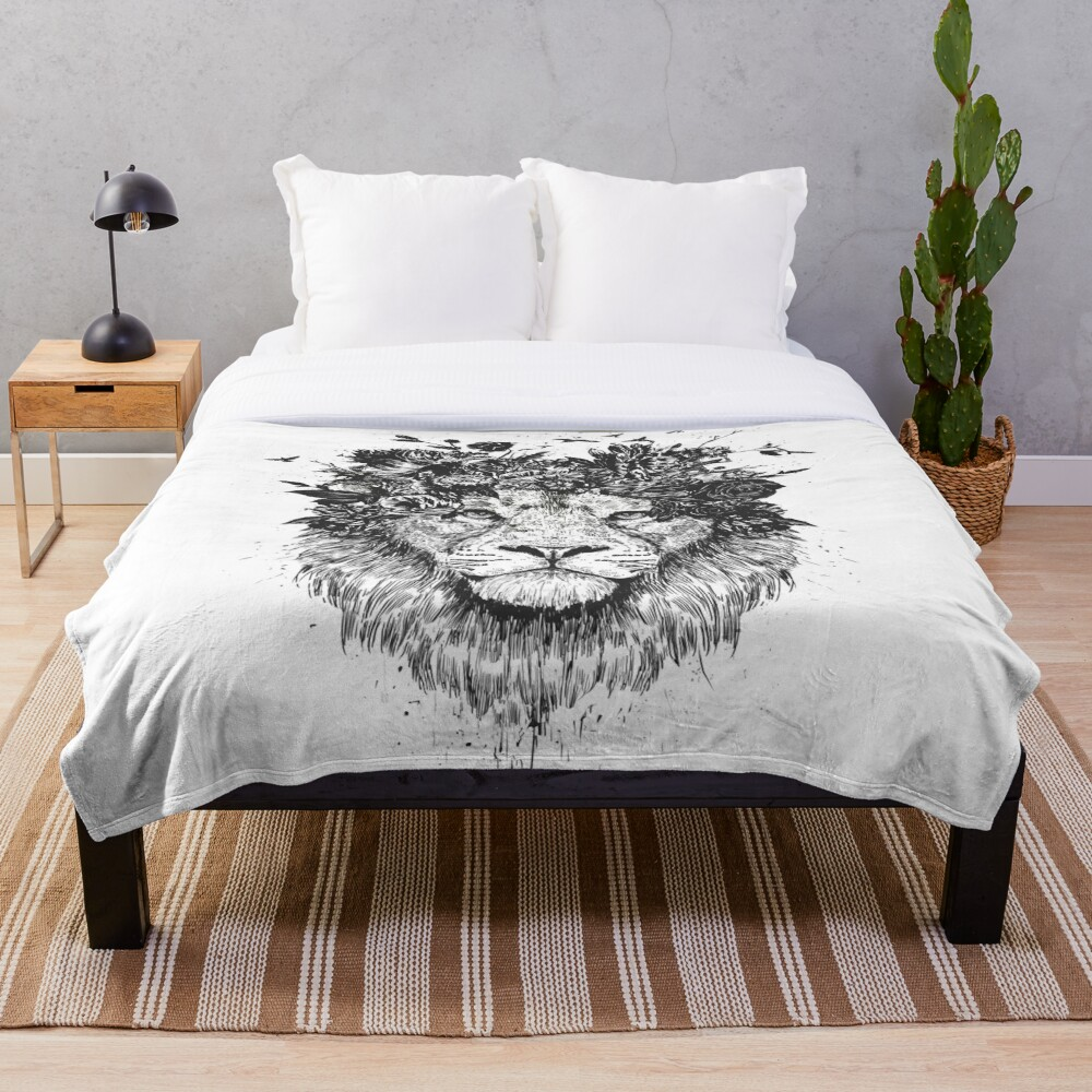 Floral lion (b&w) Throw Blanket