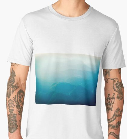 Coming in to land Men's Premium T-Shirt