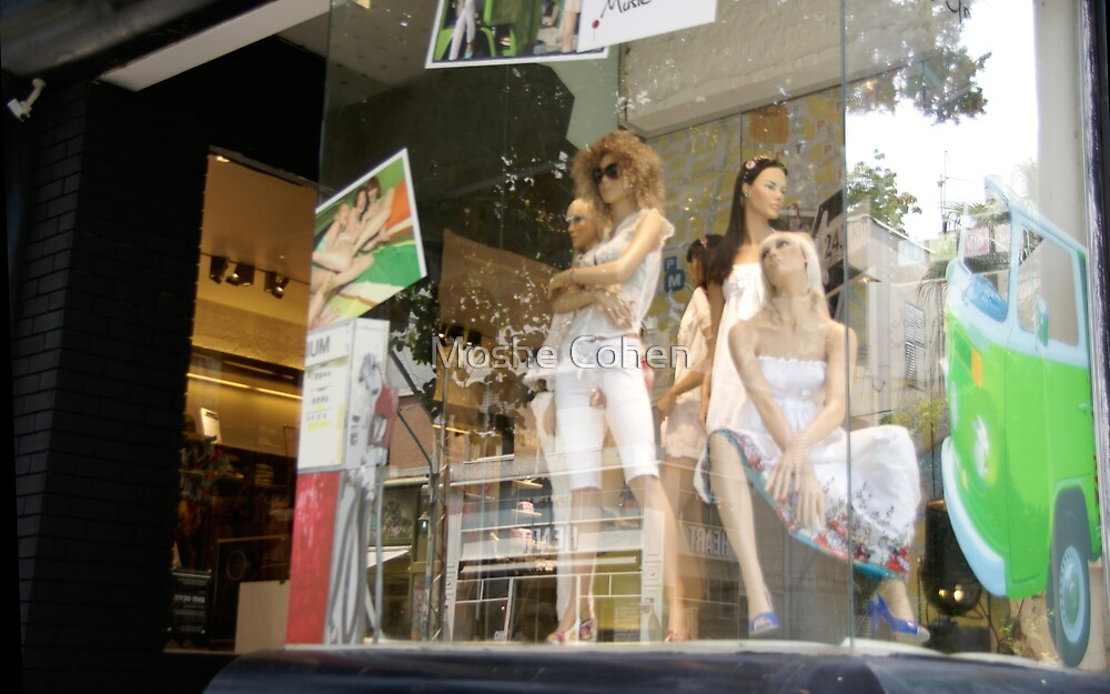 Shop window reflection by Moshe Cohen