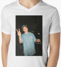 Mac DeMarco Men's V-Neck T-Shirt
