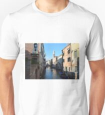6 June 2017 Beautiful buildings near a canal in Venice, Italy T-Shirt