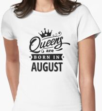 Queens are born in August - Black on White T-Shirt