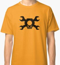 Skull Crossbones Wrenches Nuts Classic T-Shirt