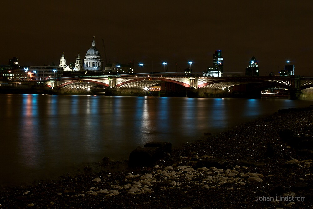 Blackfriars bridge from the beach of the Thames by Johan Lindstrom