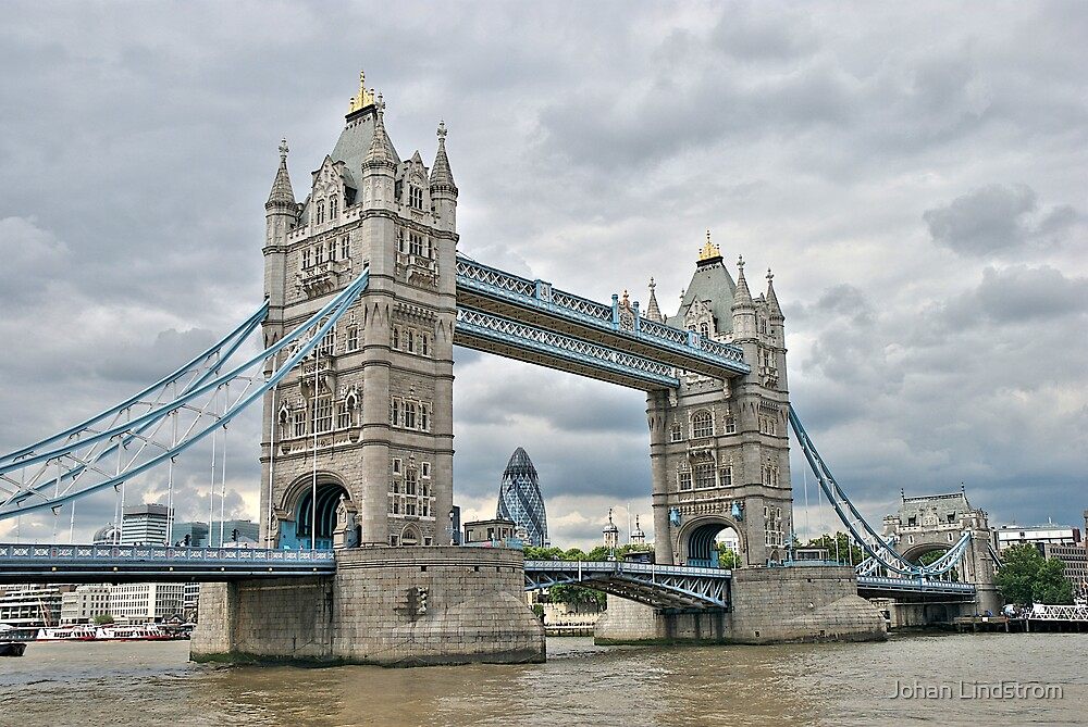 Tower Bridge in colour by Johan Lindstrom