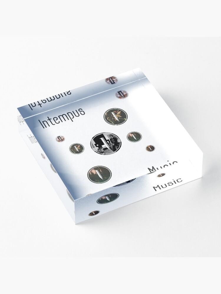 Alternate view of Intempus Circular  Acrylic Block