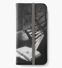 Poise iPhone Wallet