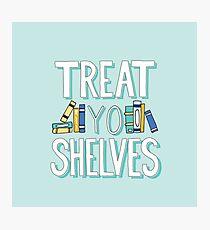 Lámina fotográfica Treat Yo Shelves - Libro Nerd Quote - Azul Amarillo