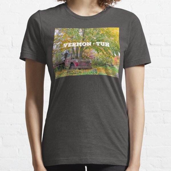 Vermontuh Essential T-Shirt