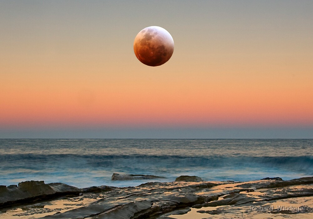 Bad Moon Rising by Richard  Windeyer