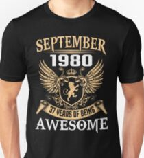 Born In August 1980 37 Years Of Being Awesome T-Shirt