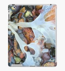 The seashore survey with the Hampshire and Isle of Wight Wildlife Trust. iPad Case/Skin