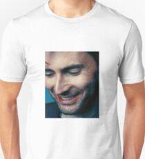 smiling tennant ヾ(。◕ฺ∀◕ฺ)ノ T-Shirt