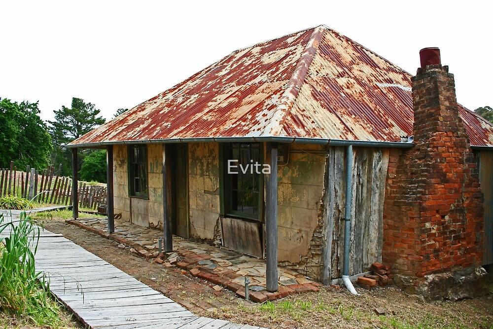 Louis Beyers Cottage by Evita