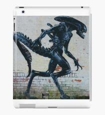 Alien Graffiti - Sci Fi iPad Case/Skin