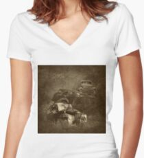 cars in the jungle Women's Fitted V-Neck T-Shirt
