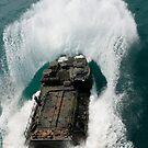 Us-Marines fahren ein Angriff Amphibienfahrzeug im Pazifischen Ozean. von StocktrekImages