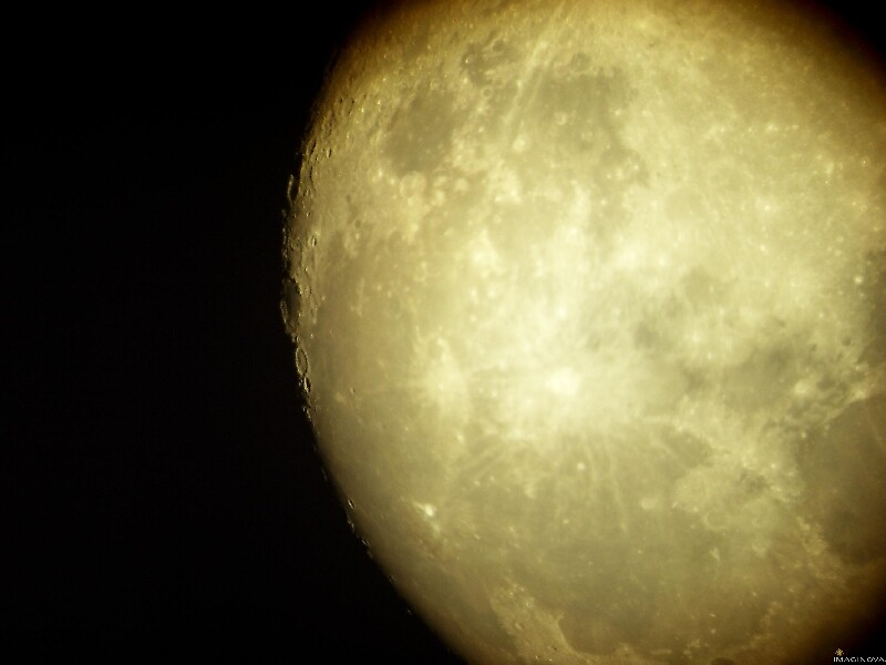 picture of the moon by chord0