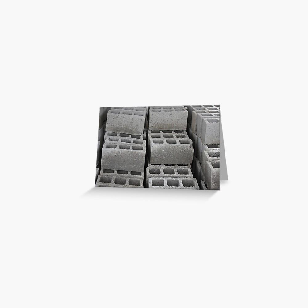 Betonblöcke auf einer Baustelle Grußkarte