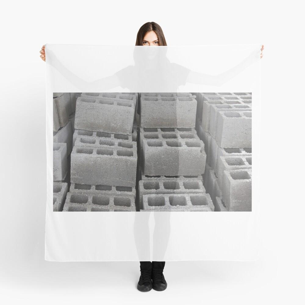Betonblöcke auf einer Baustelle Tuch