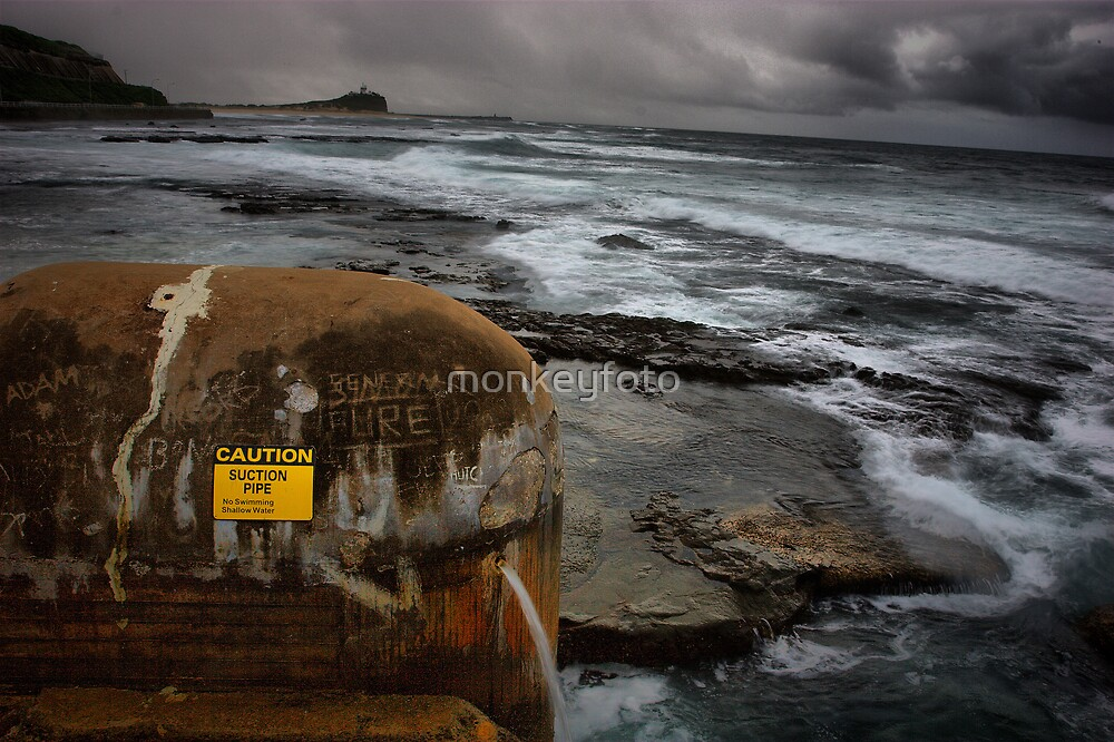 North to Nobby's Beach, NSW Australia by monkeyfoto