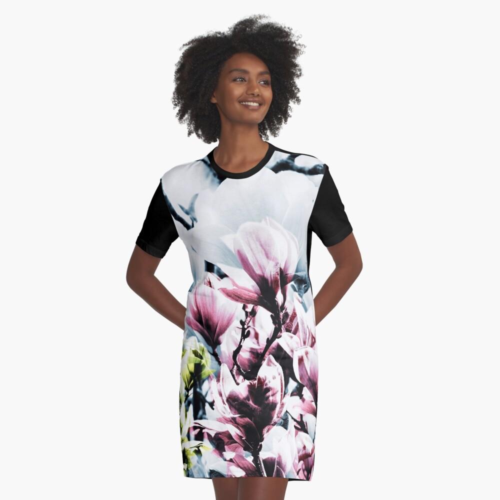 Magnolia 01 T-Shirt Kleid Vorne