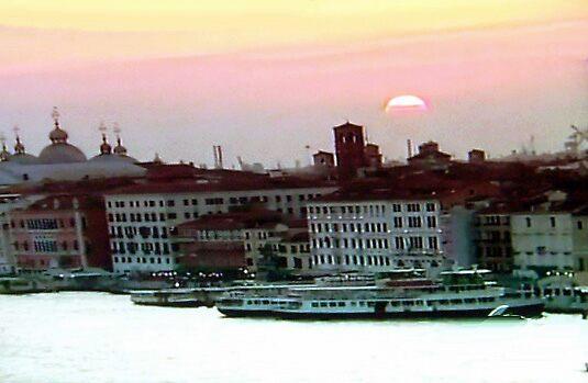 Venice  by happyphotos