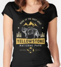 Yellowstone National Park Grey Wolf T shirt - Vintage Women's Fitted Scoop T-Shirt