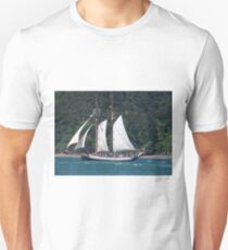 We are sailing, we are sailing, home again across the sea.......! T-Shirt