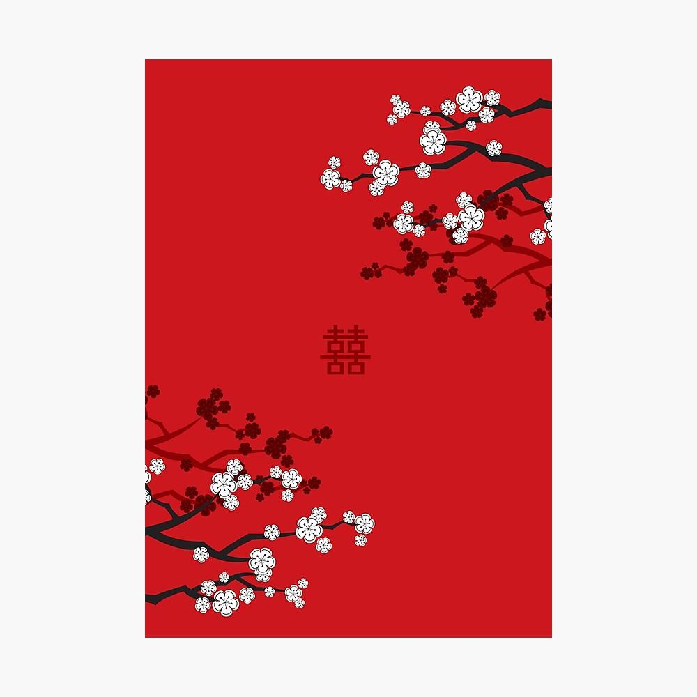 Weiße orientalische Kirschblüten auf rotem und chinesischem Hochzeits-doppeltem Glück | Japanische Sakura Fotodruck