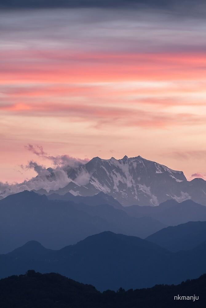 Red Mountains by nkmanju