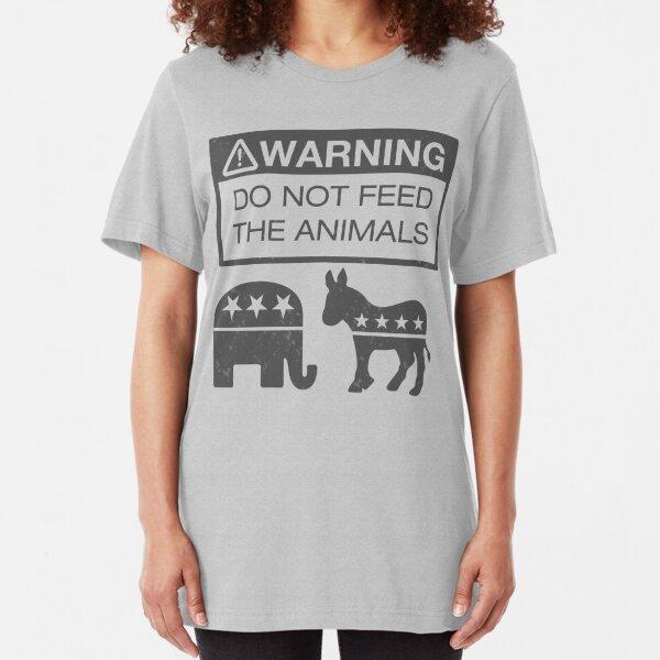 WARNUNG - Füttern Sie die Tiere nicht Slim Fit T-Shirt