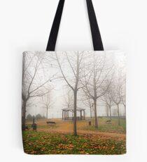 Invierno nebuloso Tote Bag