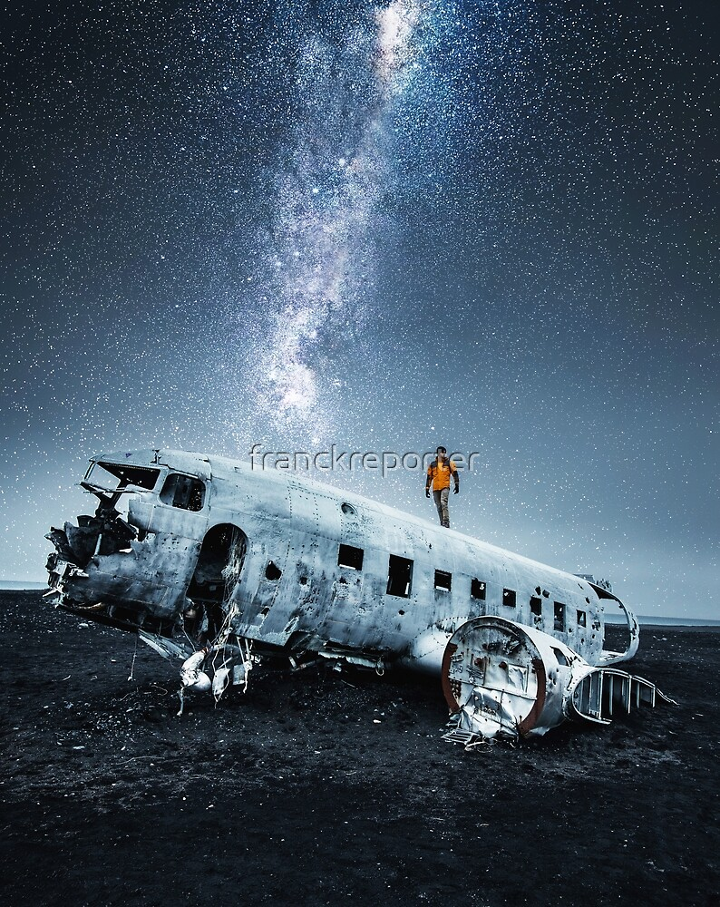 airplane wreck in iceland by franckreporter