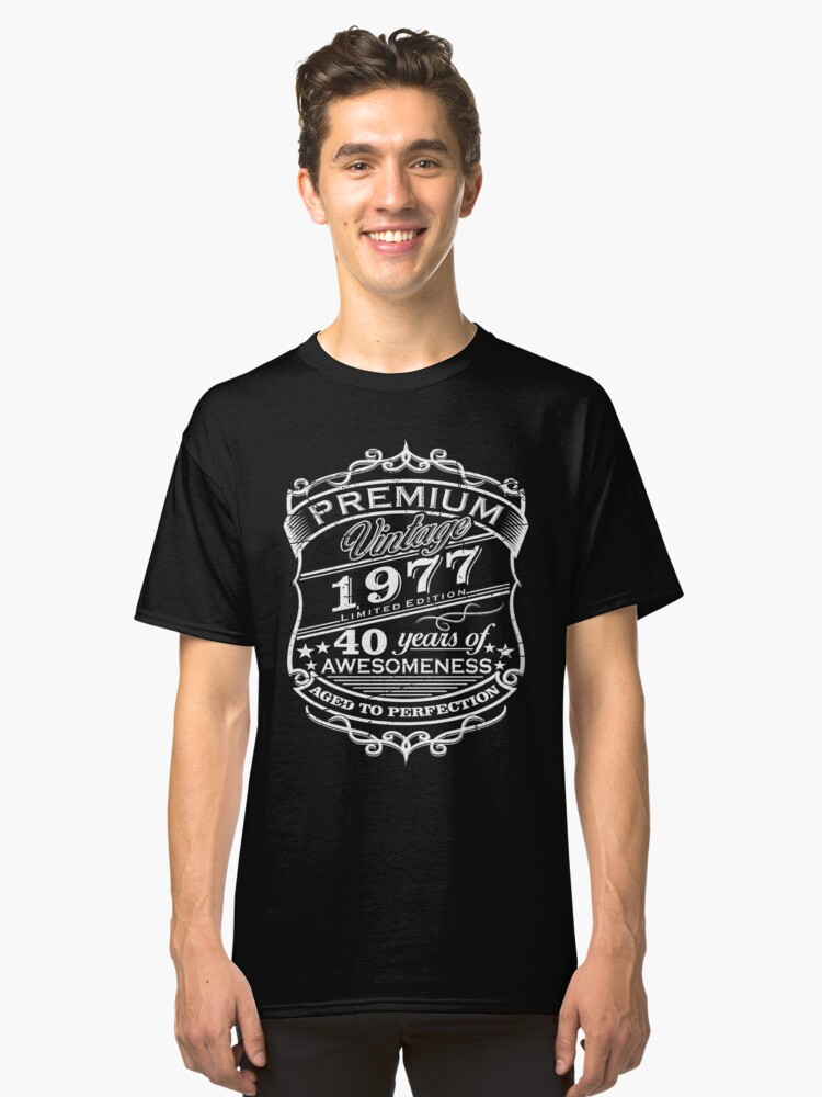 Premium Vintage 1977 Edition - 40 years Birthday Gift Classic T-Shirt Front