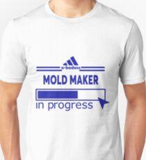 MOLD MAKER Unisex T-Shirt