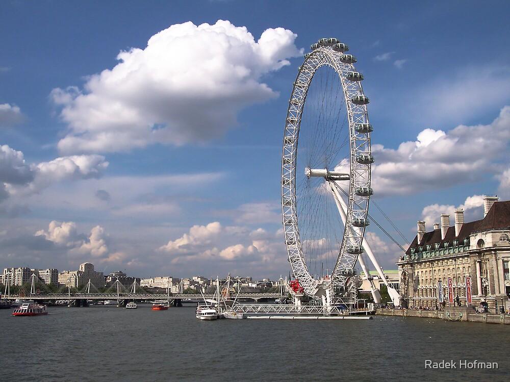 London Eye by Radek Hofman