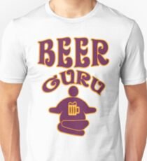 Beer guru - Funny beer saying. T-Shirt