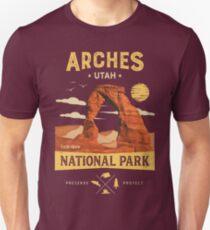 Arches National Park Vintage Utah T Shirt Unisex T-Shirt