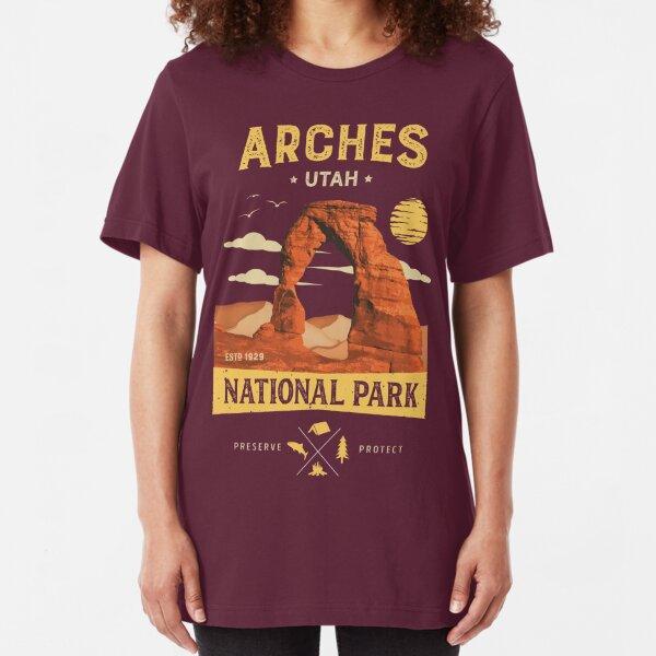 Arches National Park Vintage Utah T Shirt Slim Fit T-Shirt
