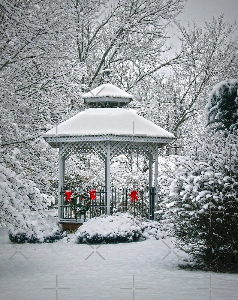Winter Gazebo by FrankieCat