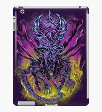 LONG LIVE THE QUEEN (color) iPad Case/Skin