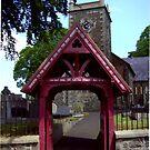 old gate ... by SNAPPYDAVE
