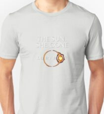 The Sun She Gone Funny Total Solar Eclipse Shirt with Silhouette Solar Sun T-Shirt